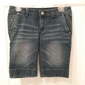 Apt. 9 Bermuda Shorts! 😄